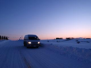 雪道をひた走る