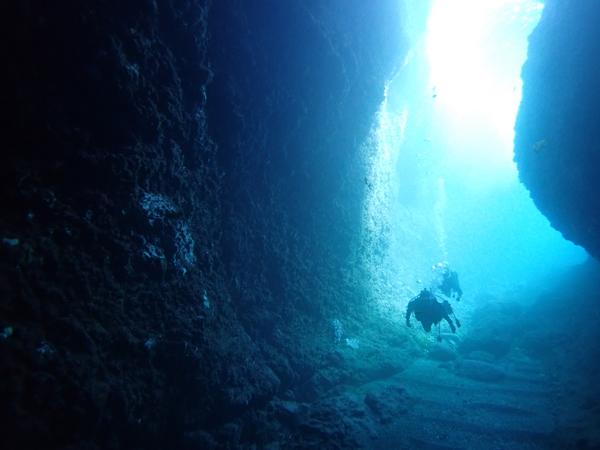 OWの二人も洞窟へ
