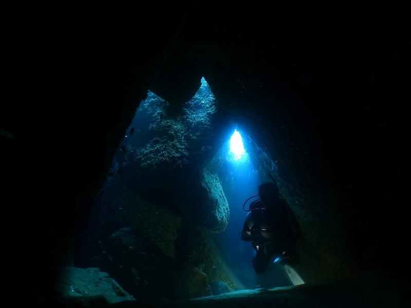 水中洞窟@雲見ダイビングツアー