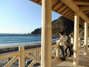 宇久須の砂浜